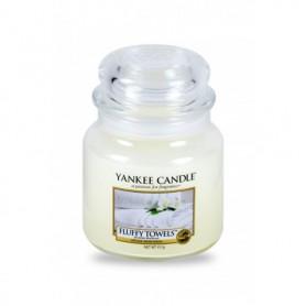 Yankee Candle Fluffy Towels Świeczka zapachowa 411g